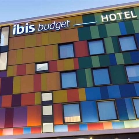 HOTEL IBIS EN CALLE VALENCIA - MADRID